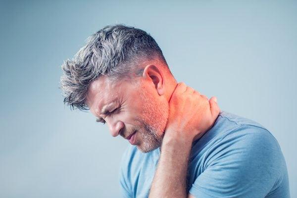 Cirujano-Ortopedista-en-Satelite-Dr-Daniel-Machuca-Especialista-en-Dolor-de-Cuello-y-Cervicalgias-v001-compressor